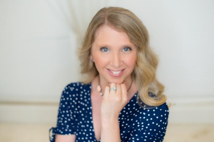 Meet Laurie Batzel, our newest romanceauthor!